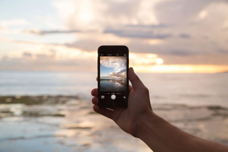 taking picture with a smartphone